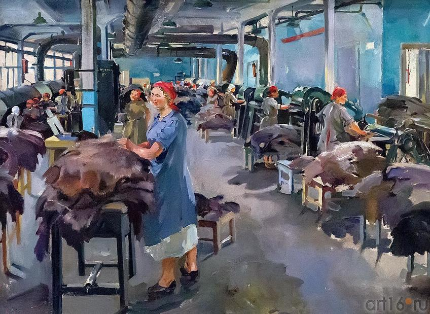 Фото №209923. ТИМОФЕЕВ В.К. 1891 - 1968 В ЦЕХУ (ВЫДЕЛКА КОЖ). 1929 Холст, масло
