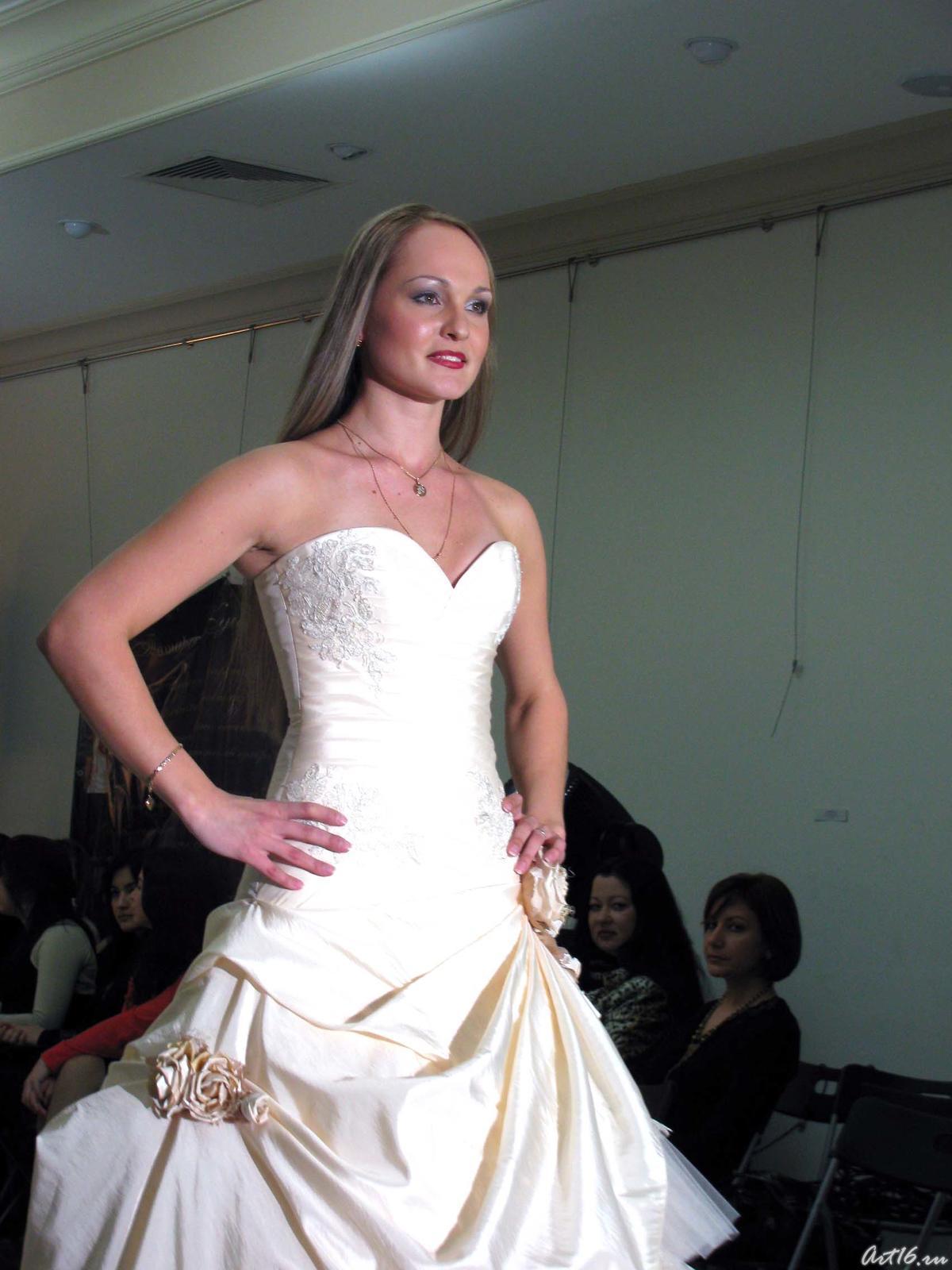 Фото №21529. Дефиле в свадебных платьях _1005