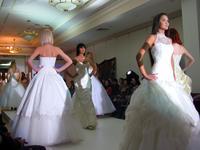 Дефиле в свадебных платьях _1016