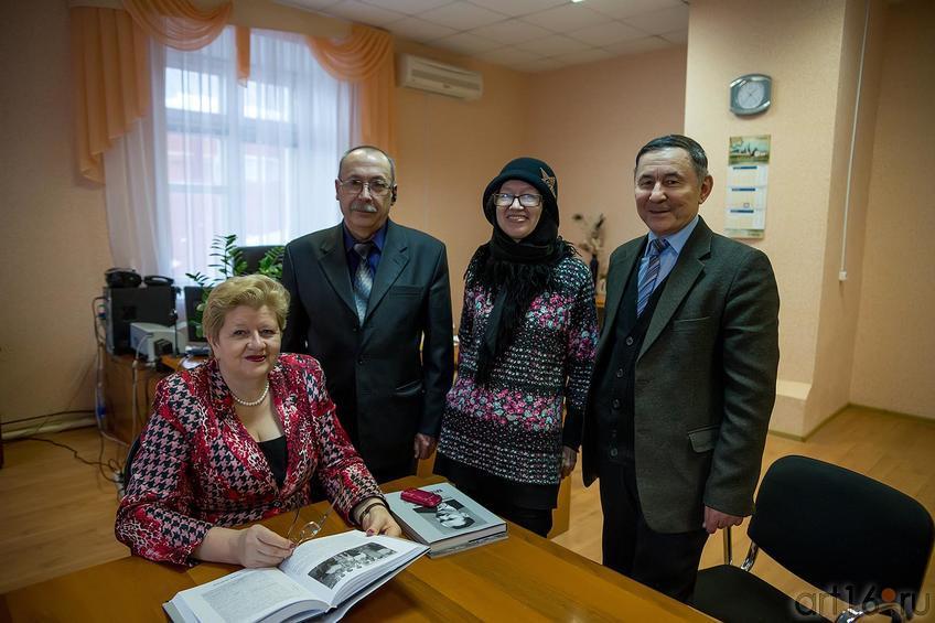 Фото №216987. В кабинете Мифтахутдиновой Н.Р., Арск, декабрь 2013