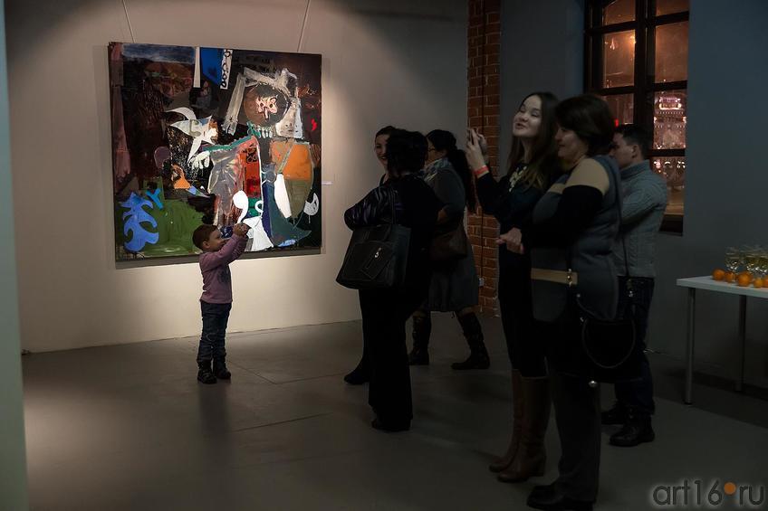 У работы Р.Нафикова ʺШаманʺ::Оптические переживания. Выставка абстрактного искусства в ЦСИ «Смена»