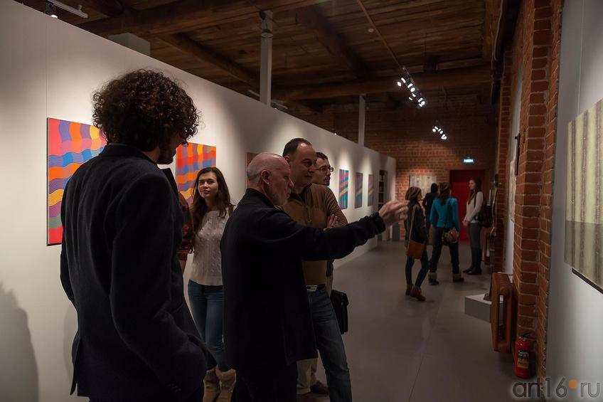 Ильгизар Хасанов::Оптические переживания. Выставка абстрактного искусства в ЦСИ «Смена»