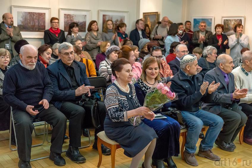 Фото №221352. На открытии выставки Суюрова Ф.А.