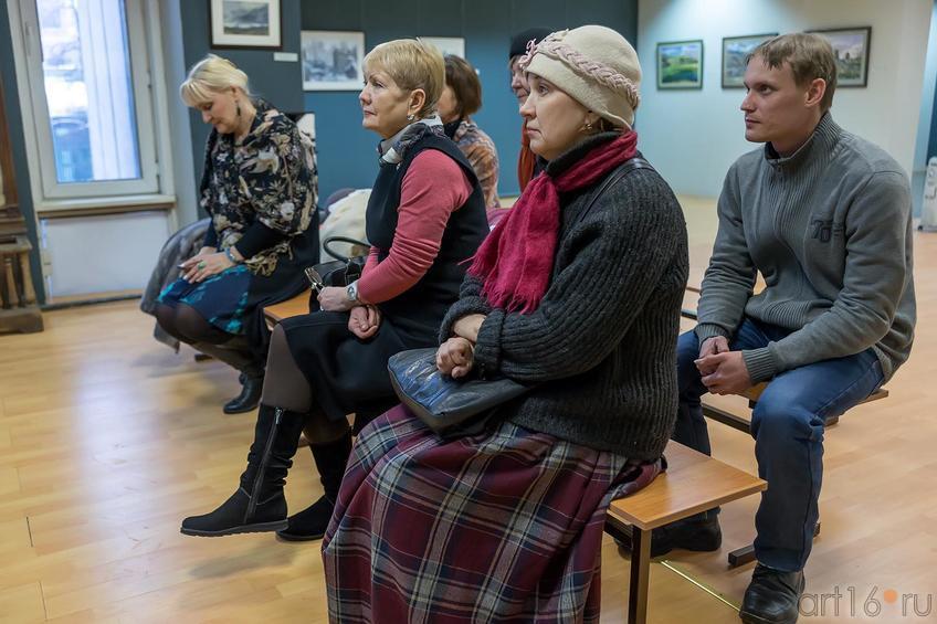 Фото №224705. Перед открытием III Межрегиональной выставки ''Акварель'' состоялся круглый стол