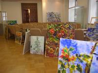Выставочный зал в процессе построения экспозиции