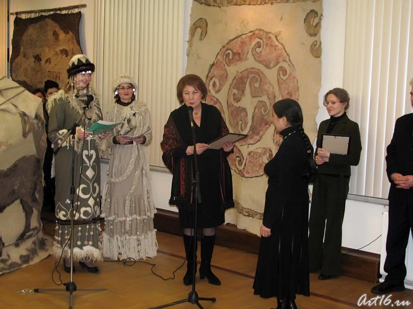 Фото №25318. Зиля Валеева. Награждение Розы Рахматуллиной (г. Бугульма, РТ)