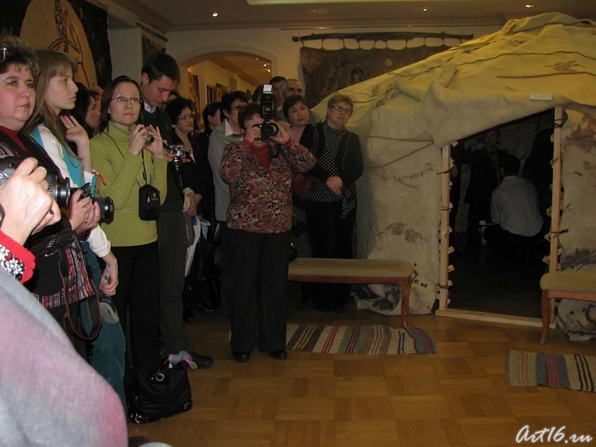 Фото №25342. На открытии выставки ''Современное искусство войлока в современном мире...''