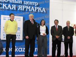 А. Гайнутдинов на открытии АРТ галереи—2009