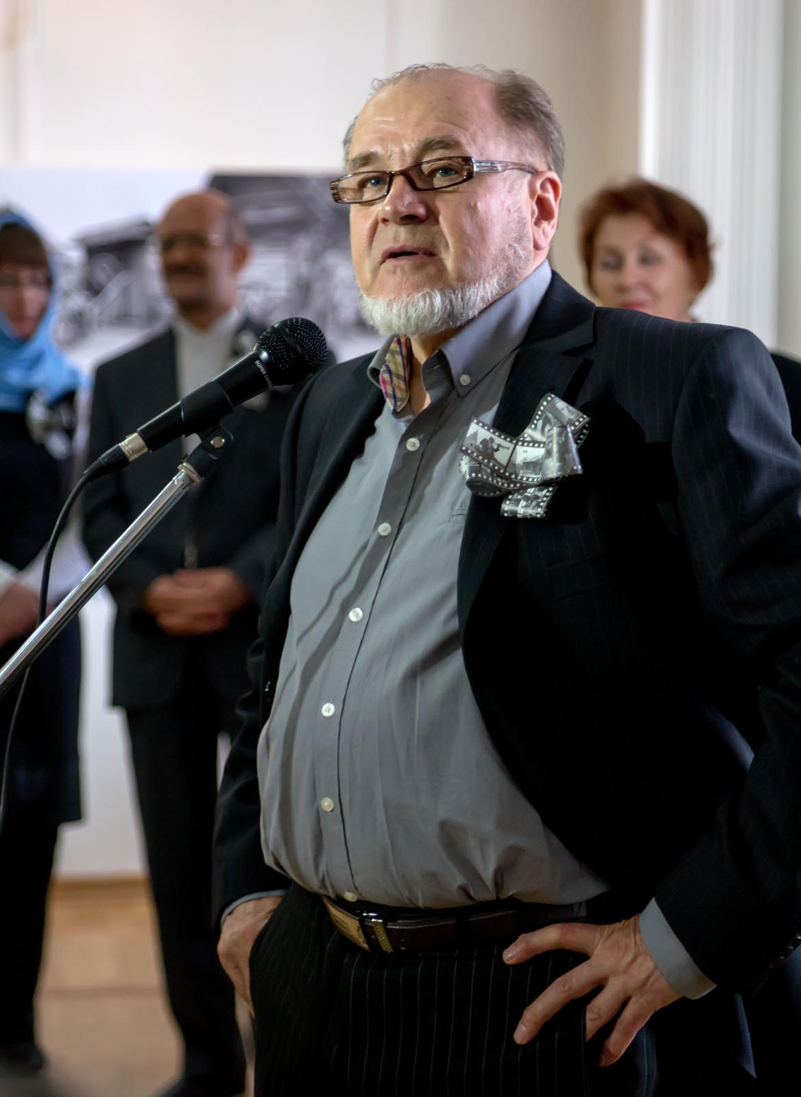 Фото №272565. Владимир Николаевич Зотов на открытии выставки имени себя