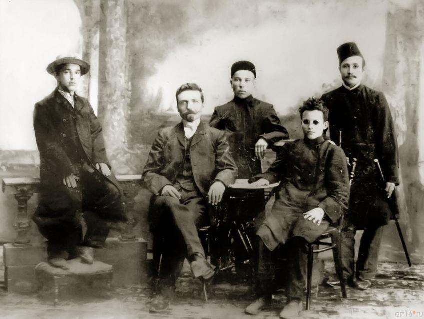 Фото №273655. Г. Тукай среди товарищей. Уральск Конец 1906