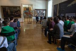 Выступление Владимира Попова перед учащимися в канун 9 мая 2014 года