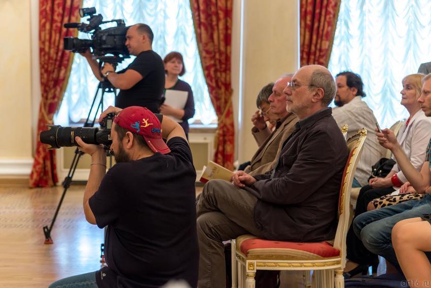 Фото №304388. На пресс-конференции