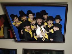 Главный Раввин европейских евреев Меир Брук с детским ансамблем