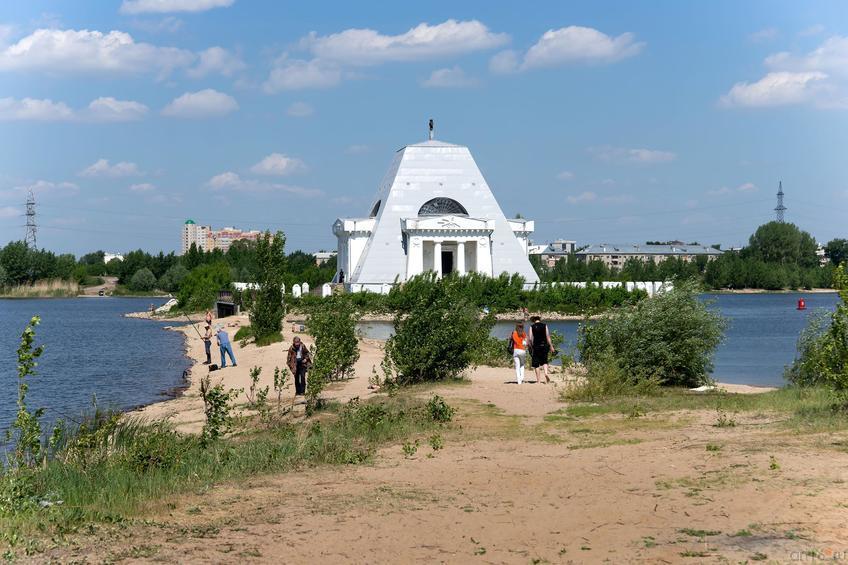 Фото №315729. Церковь Спаса Нерукотворного, 1824 г на братской могиле воинов
