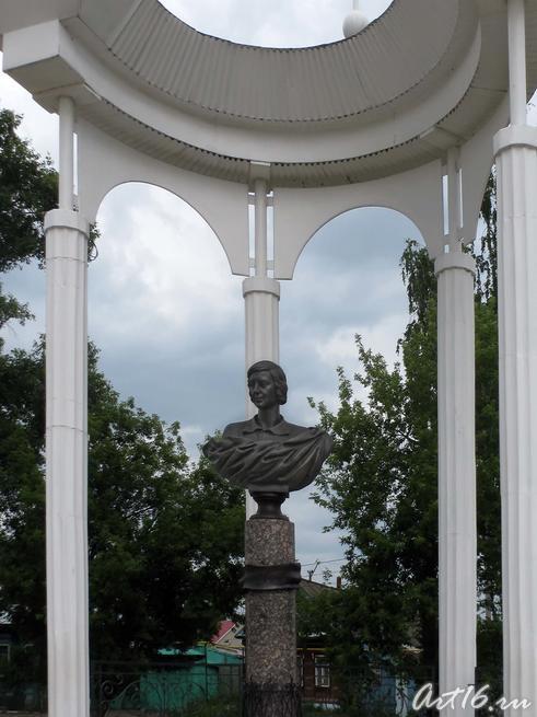 Памятник Марины Ивановны Цветаевой