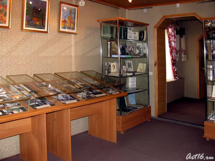 Фото №31715. Фрагмент экспозиции литературного музея