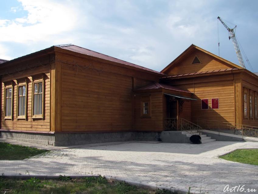 Фото №31832. Здание бывшей земской больницы, в настоящее время — Музей уездной медицины им В.М.Бехтерева