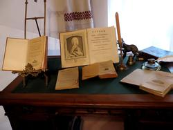 Фрагмент экспозиции_письменный стол