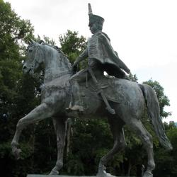 Памятник Надежде Андреевне Дуровой