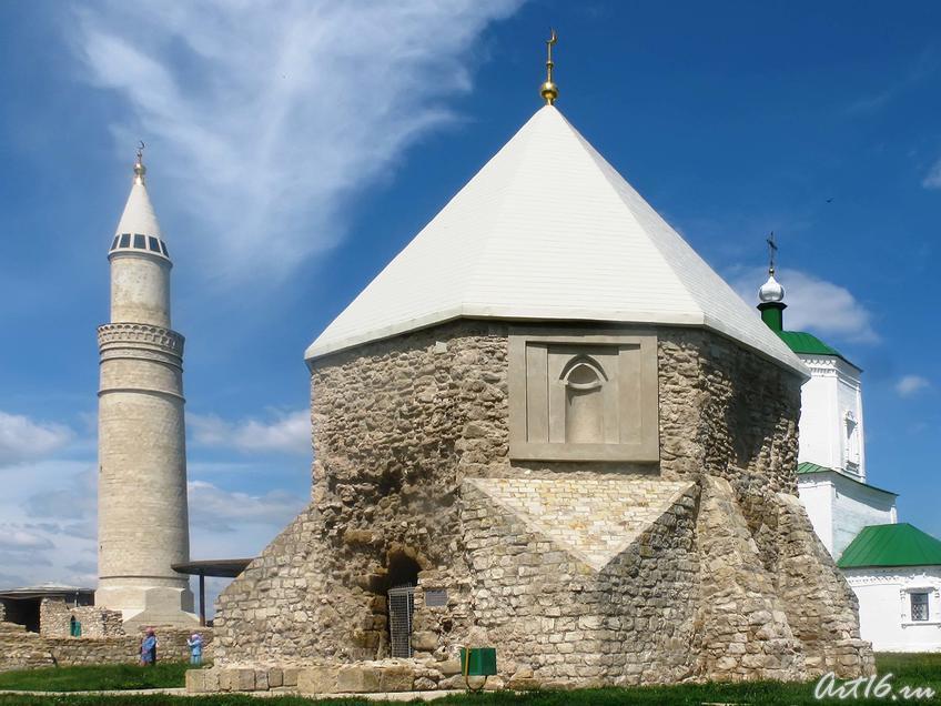 Восточный мавзолей (Церковь Святого Николая)::Булгары