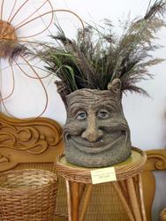Декоративная ваза. Плетёная мебель. Алтын-Тал