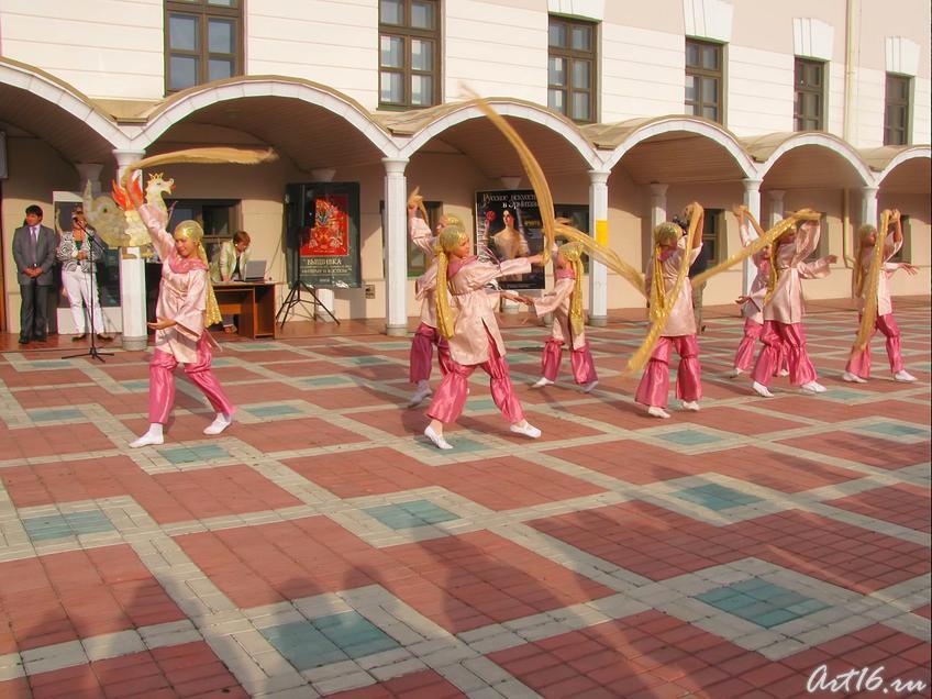 Фото №32986. Танец ''Золотая нить''