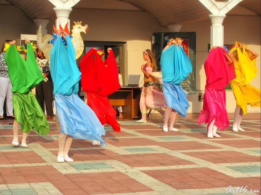 Фото №33016. ''Арабский танец'' в исполнении группы ''Черный жемчуг''_1