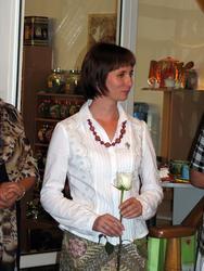 Елена Титова с белой розой
