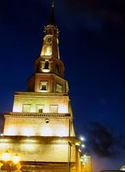 Башня Сююмбике. Вид с подножия