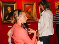 На выставке Никаса Сафронова