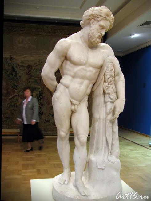 Статуя отдыхающего Геракла::Открытие выставки «Дети Богов»