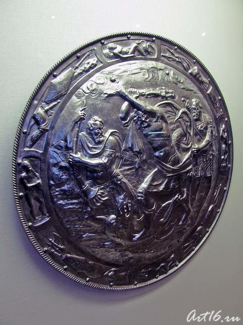 Щит-рондаш: Геракл убивает Гидру::Открытие выставки «Дети Богов»