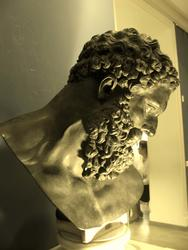 Голова Геракла