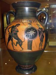Амфора чернофигурная. Ф: Геракл сражающийся с Немейским львом, Иолай, Афина, Гермес. Б: Сцена на палестре