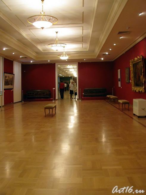 Экспозиция выставки «Дети Богов», четвертый зал::Открытие выставки «Дети Богов»
