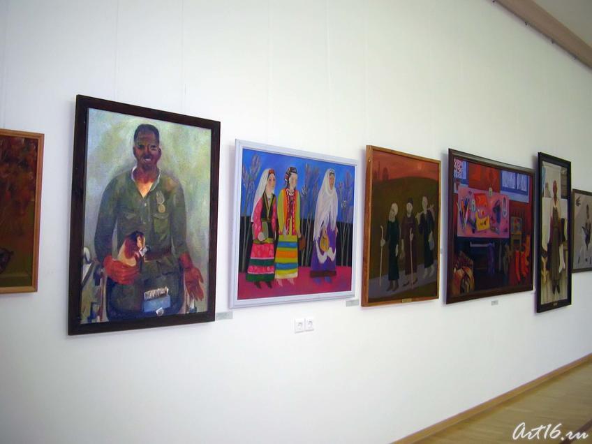 Фото №36933. Экспозиция выставки «Грани творчества»