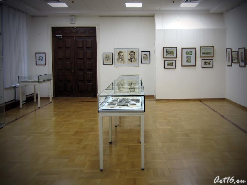 Экспозиция выставки Б. М. Альменова::Альменов Байназар Мустафьевич