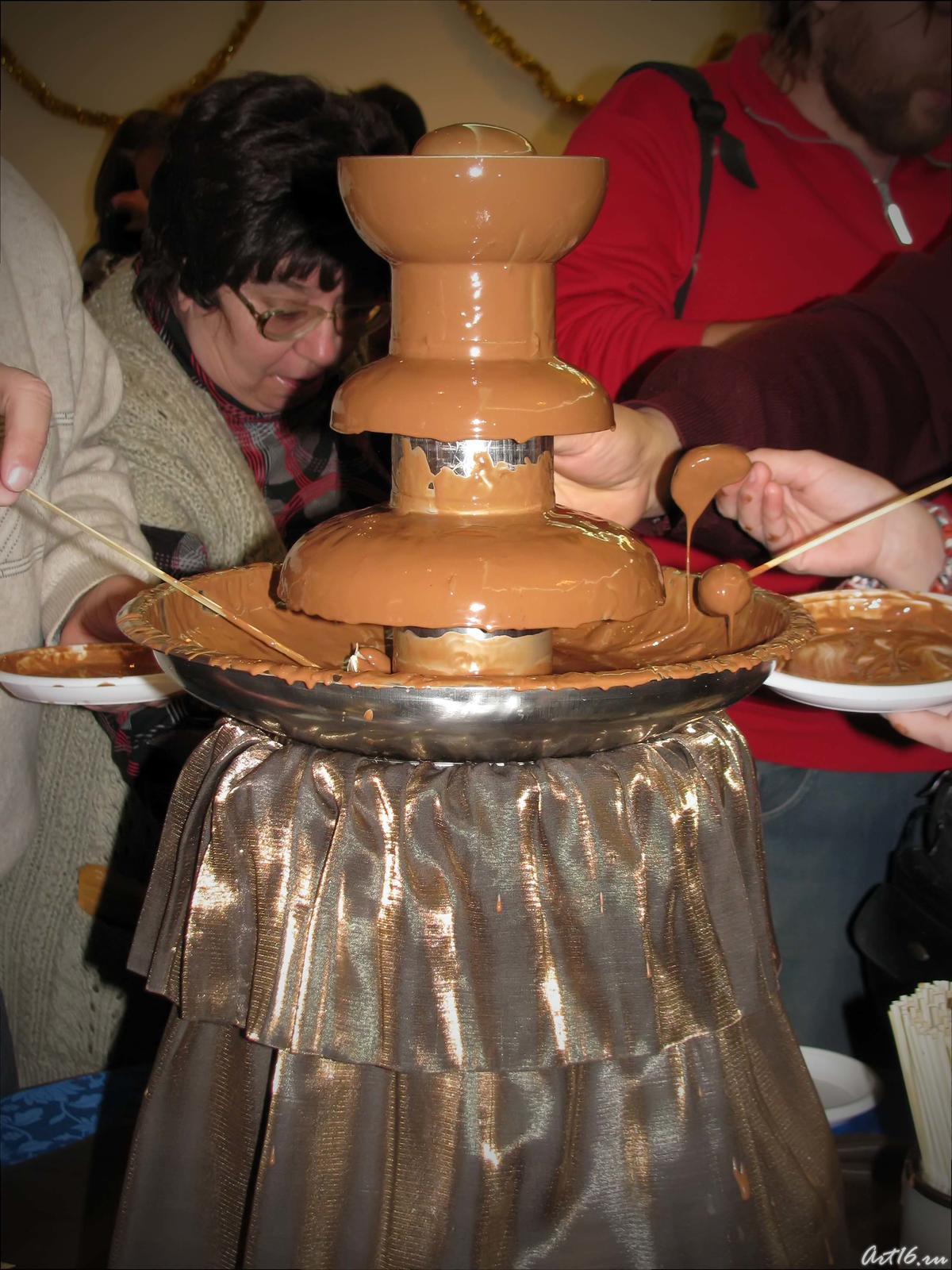 Фото №39500. Сладости из шоколадного фонтана