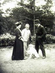 И.Е. Репин, П.П. Трубецкой и его жена в «Пенатах». 1908