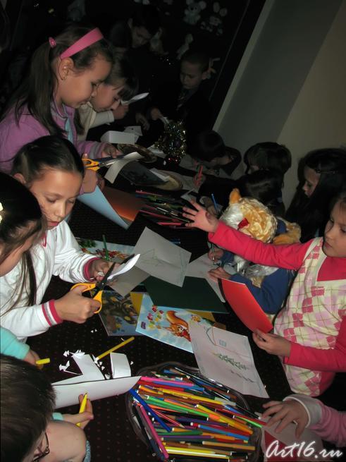 Изготовление игрушек вместе с Дедом Морозом:: Выставка «В гостях у сказки»