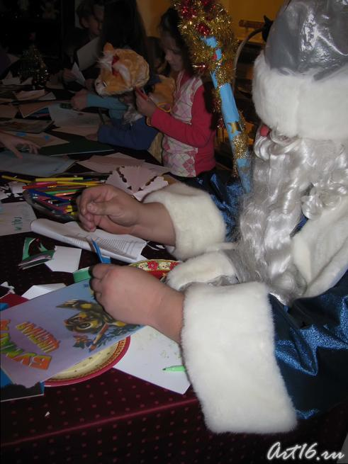 «Мастерская Деда Мороза»:: Выставка «В гостях у сказки»