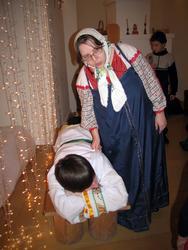 Матушка Емелю будит