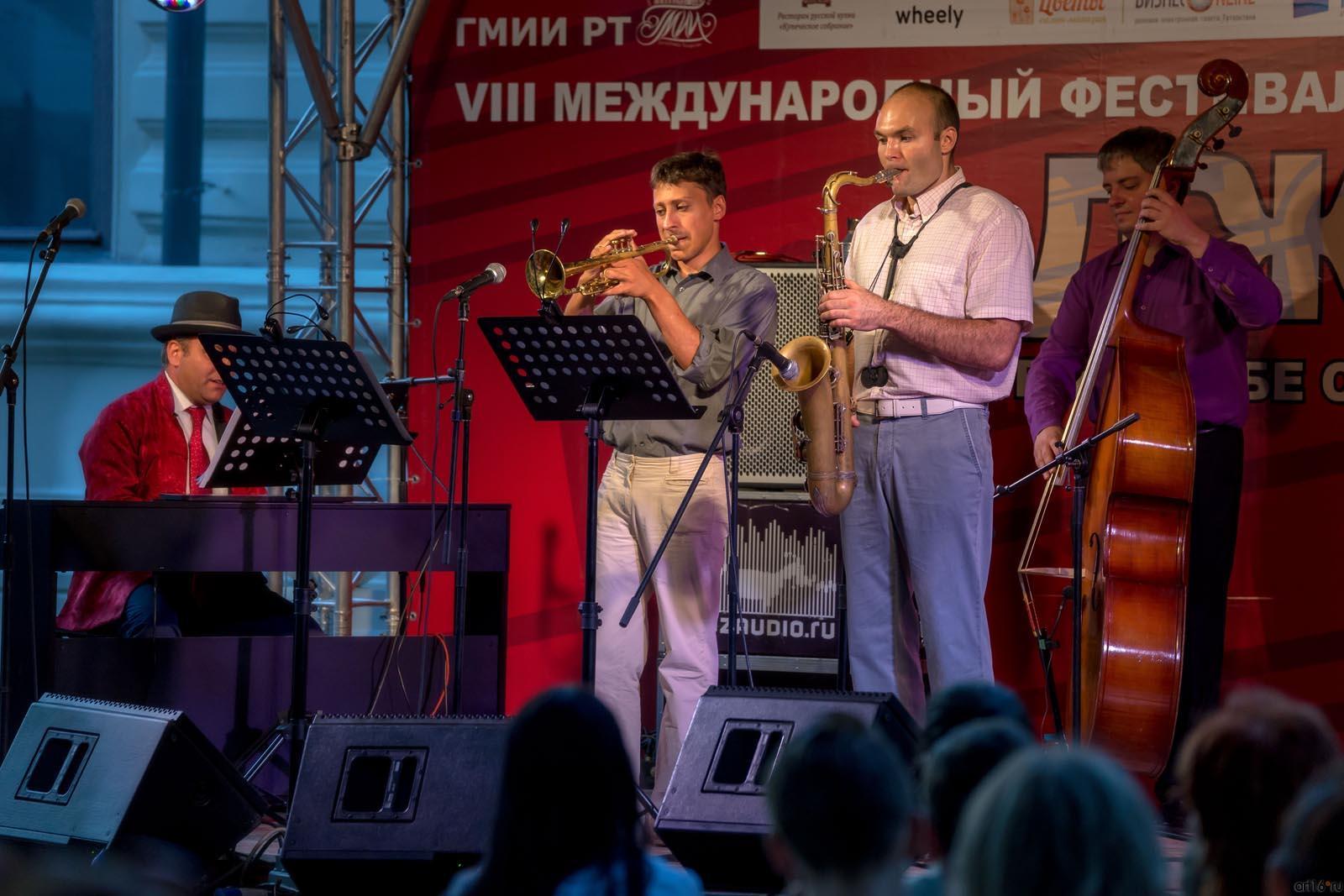 ::Vahagn Hayrapetyan (Ваагн Айрапетян) & JAZZ квартет (МОСКВА)