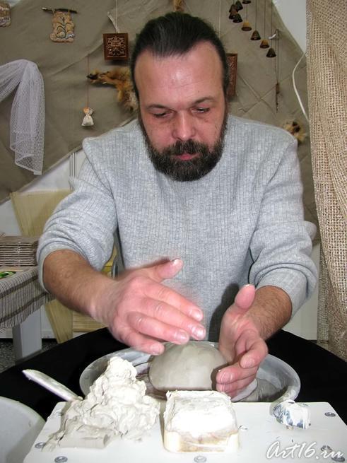 Евгений Васильевич Иванов::Арт-галерея. Казань — 2010