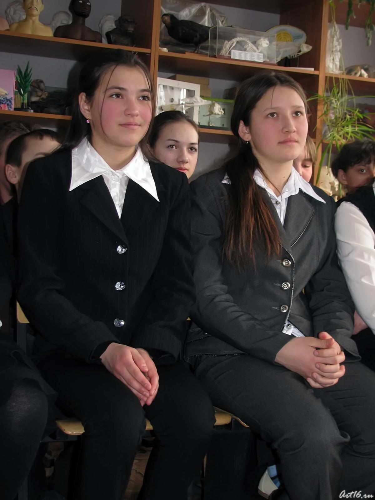 Фото №43131. Ученицы Черки-Гришинской средней  общеобразовательной школы