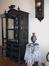 Фрагмент интерьера дворянской гостиной
