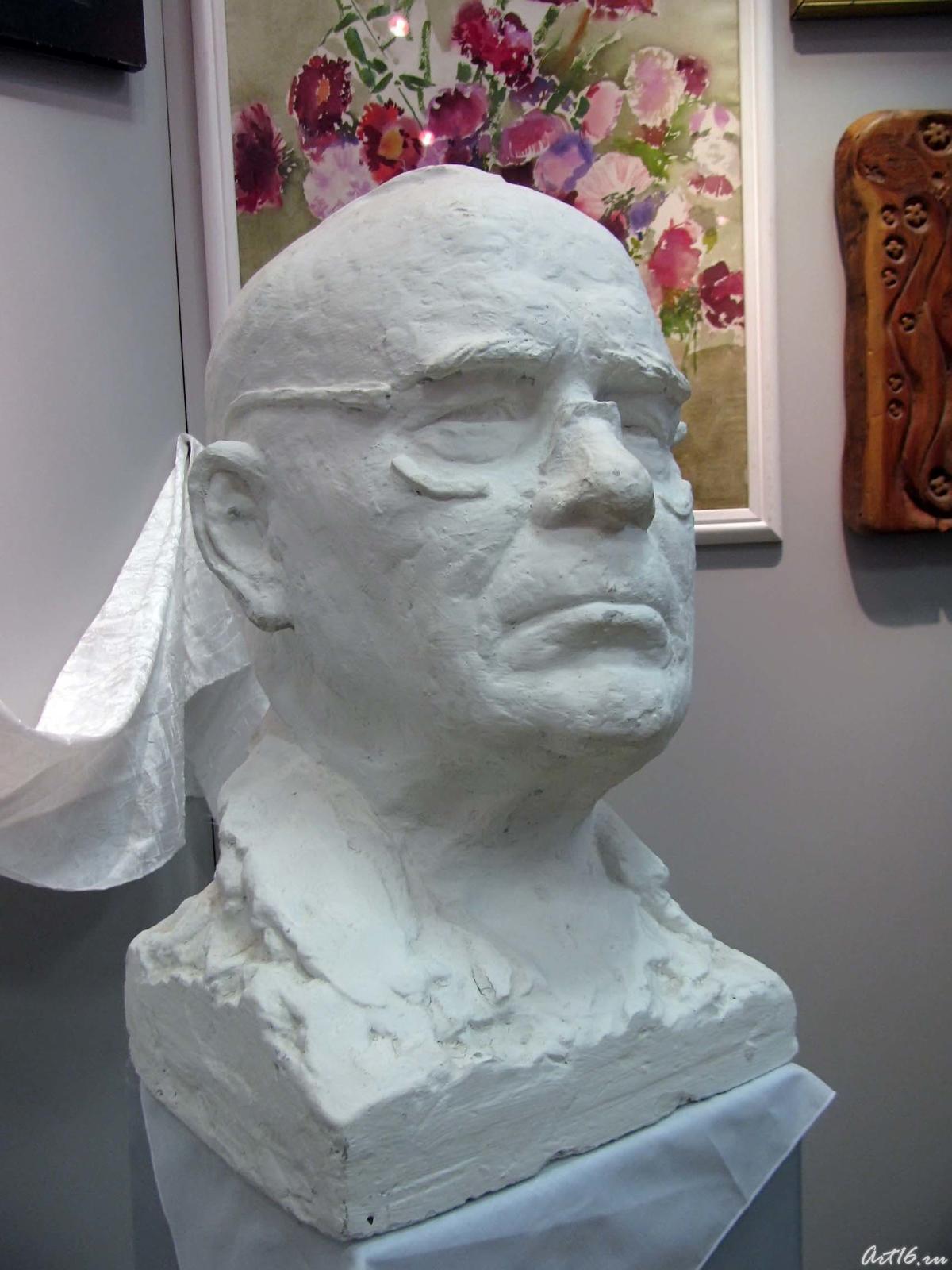 Фото №43531. Скульптура Б. Урманче, салфетка с похорон