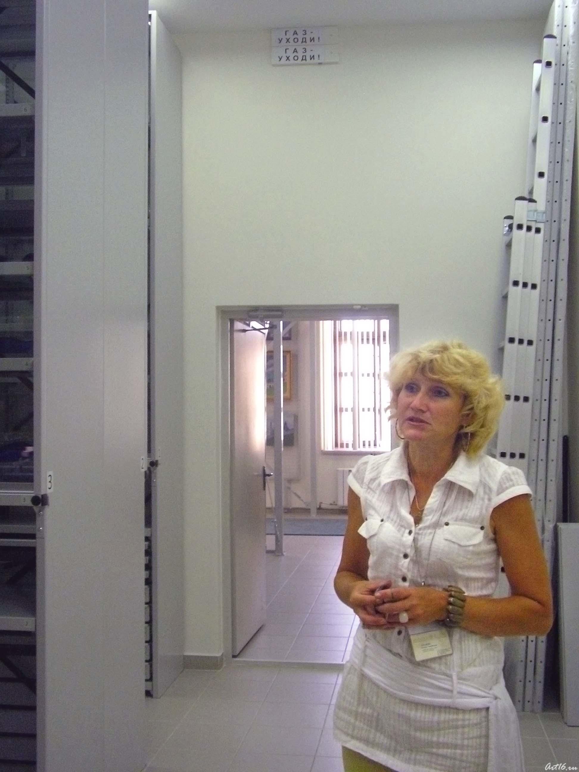 Галина Захарова::Центру «Эрмитаж-Казань» —Три года!