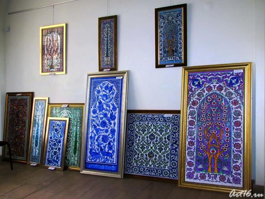 Фрагмент экспозиции выставки Ф.Даминовой:: Флера Даминова
