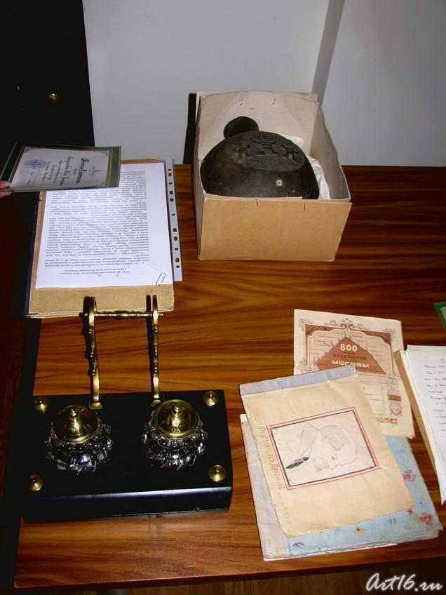 Фото №53879. Экспонаты, подаренные музею